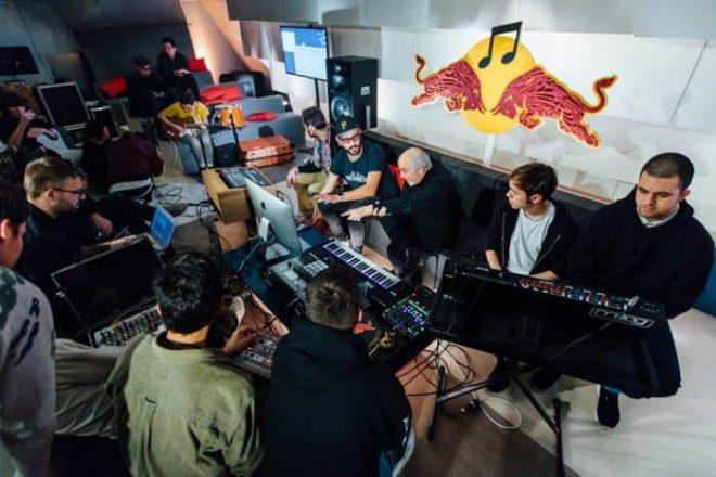 Red Bull Music Academy 20 yıllık kataloğunu müzik ve sanatseverlerle buluşturuyor