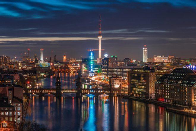 Berlin kulüpleri iki doz aşı olanlar için kapılarını açtı