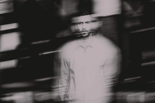 Calvin Harris 'Love Regenerator' kimliği ile yeni bir kısaçalar yayımladı
