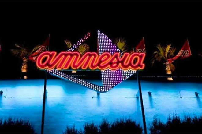 Amnesia Ibiza'daki izinsiz partiye polis baskını