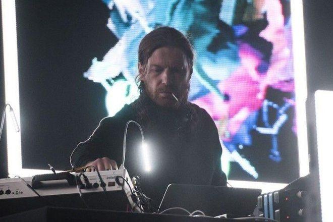 Aphex Twin'in 10 yıl içindeki ilk Londra kulüp şovunu izleyin