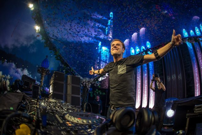 Armin van Buuren, ASOT Ibiza albümünden 'Cosmos' teklisini çıkardı