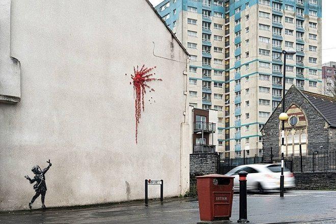 Banksy'den Sevgililer Günü duvar resmi çalışması