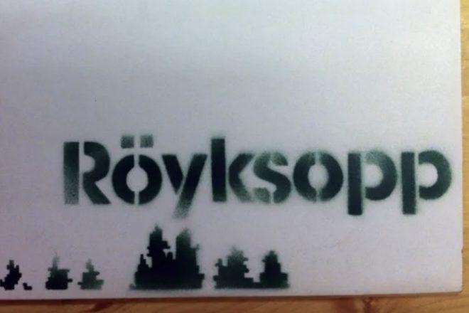 Banksy tasarımlı Röyksopp plağı 10 bin dolara alıcı buldu