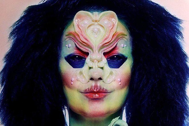 Björk'ün 'Utopia' boxset paketi el yapımı kuş flütleri de içerecek