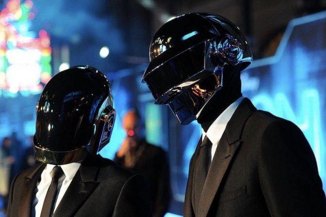Tron Efsanesi'nin Daft Punk imzalı film müzikleri dijital platformlarda