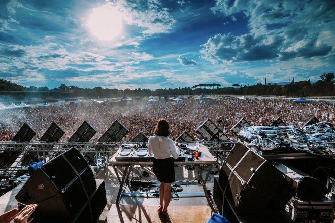 Decibel Open Air Eylül ayındaki programında çalacak tüm DJ'leri açıkladı
