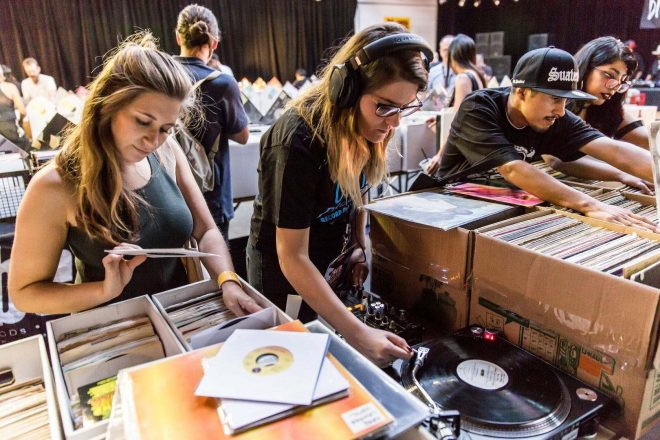 Discogs'un 2020 yıl ortası raporu: Fiziksel müzik satışları pandemide tırmanışa geçti