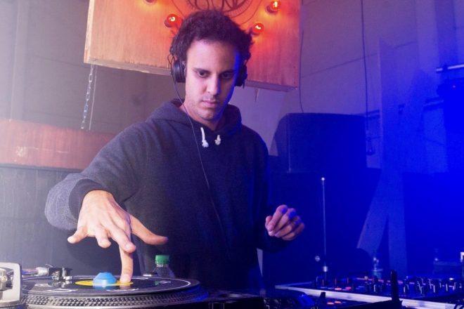Four Tet'ten Skrillex'in 'Midnight Hour' parçasına remiks