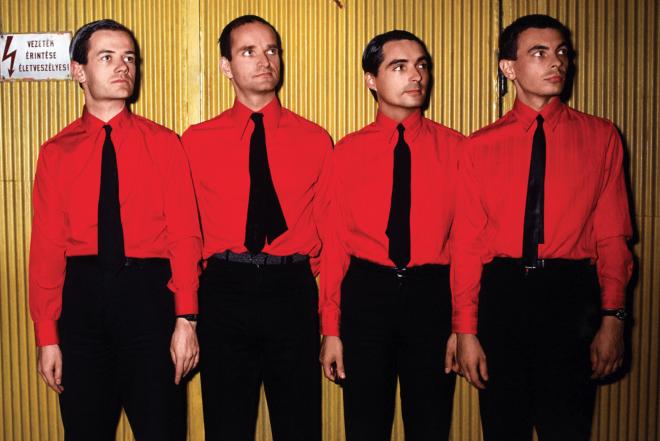 Kraftwerk üç boyutlu gösterisi ile ilk kez İbiza'da