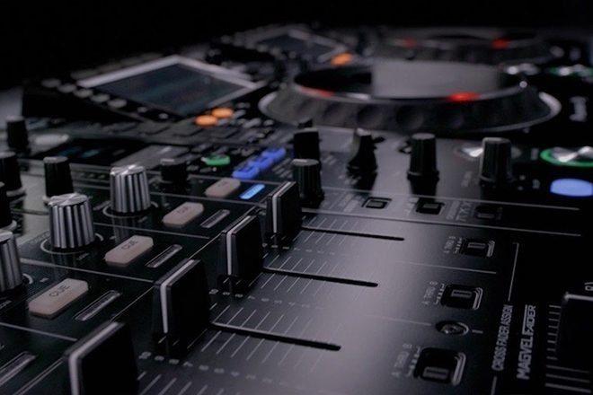 'DJ Academy' ile DJ'lik kariyerinize 'The Lab Londra'da başlayın