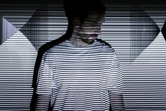 """Max Cooper'dan yeni A/V şov ve albüm: """"Yearning for the Infinite"""""""