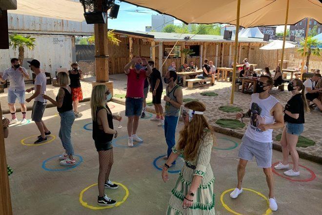 Almanya'da 'sosyal mesafeli' kulüp etkinliği
