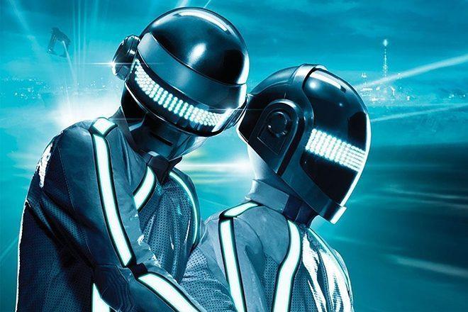 Disney 3. Tron filminin müzikleri için Daft Punk ile iletişime geçti